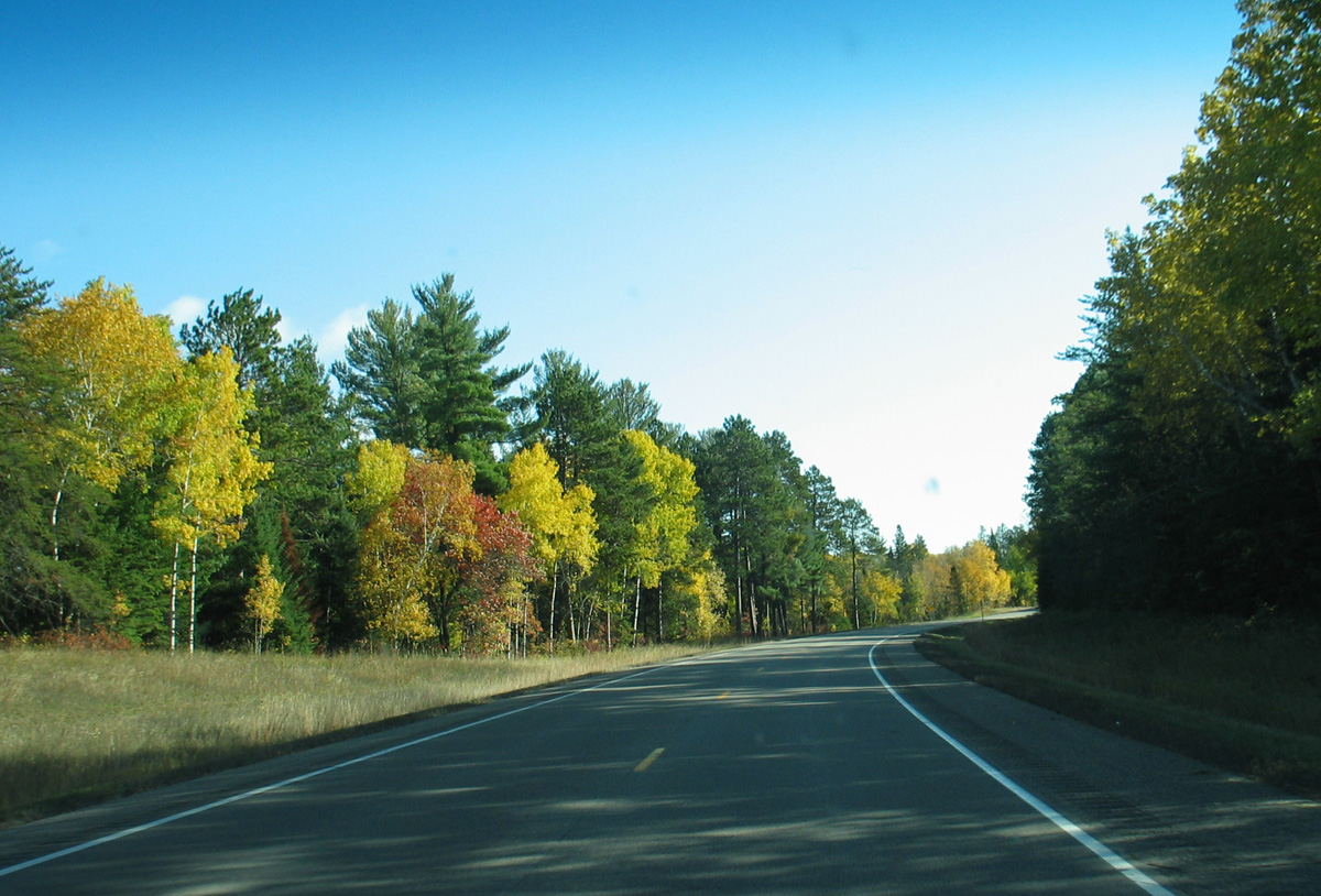 Fall foliage colors along Lake Country Scenic Byway